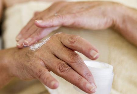 Мази и кремы от экземы на руках и ногах: список эффективных